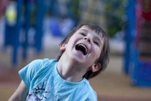 enfant amour rire